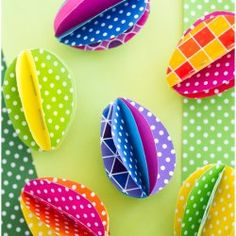 Just added my InLinkz link here: http://www.kristendukephotography.com/30-bright-easter-ideas/