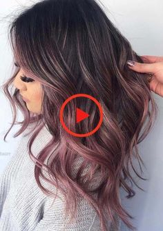 See here the surprising shades and highlights of rose gold hair colors for women to make their hair looks like more amazing and cute. Apply this beautiful looking rose gold hair color if you really want to get obsessed hair styles right now. Cute Hair Colors, Gold Hair Colors, Pretty Hair Color, Hair Color Pink, Pink Hair, Ombre Rose Gold, Rose Gold Hair Blonde, Red Ombre, Brunette Hair