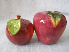 Apple Salt and Pepper Shakers - vintage, collectible, fruit