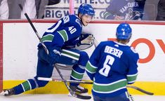 Rookie Elias Pettersson scored on his first NHL penalty shot as the Vancouver Canucks used a win over the Nashville Predators. Kontinental Hockey League, Hockey Players, Bo Horvat, Penalty Shot, Star Of The Week, The Golden Boy, Only Getting Better, Hockey World, Pro Hockey