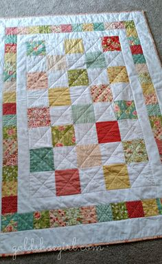 Gold Shoe Girl: Charming Strawberry Fields Toddler Quilt