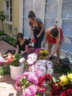 Tips for doing your own flowers....not going to do this many but thinking of making bud vase centerpieces for tables, bridal and party bouquets and bouts myself...