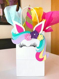 Precious forecasted quinceanera party ideas click now Unicorn Birthday Invitations, Unicorn Birthday Parties, Diy Birthday, Quinceanera Decorations, Quinceanera Party, Birthday Decorations, Diy Unicorn Bag, Unicorn Crafts, Rainbow Unicorn Party