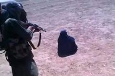 این دختر که «بیک بیبی» نام دارد، به خاطر رد خواستگاری مسوول طالبان و سرپیچی از دستور او، تیرباران شده است.»    Source: کارگاه خبر ژوپیآ