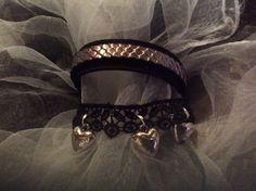 Bracelet style manchette noir et argenté : Bracelet par wendylafeedesbijoux