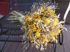 Bridal Yellow Dried Bouquet, Wedding Billy Balls Bouquet, Country Dried Flower Bouquet, Bridesmaid Bouquet, Toss Bouquet, Dried Flowers  This is a listing for one gorgeous bridal dried bouquet. The bouquet was made with all dried flowers in shades of yellow and pale green colors. I have used some beautiful billy balls flowers, Indian Grass, golden tansy, flax and some dried oats. This Wedding bouquet would be great also for bridesmaid or as a toss bouquet. Each bouquet will have different…
