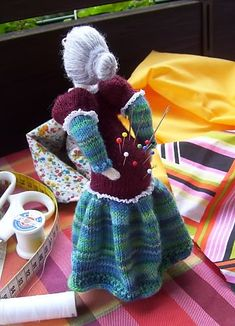Ravelry: OUCH! - a somewhat different pincushion ;-) pattern by gitwerg is for sale but I just had to pin. It is so me tee hee