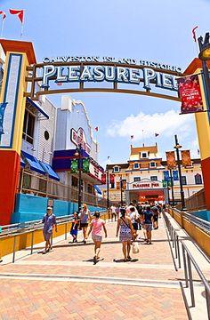 Historic Pleasure Pier, Galveston, Texas, United States of America, North…