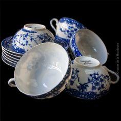 Tasses a thé Japonaise en porcelaine ancienne ultra fine et translucide (Kaolin) de Collection, fleurs bleues