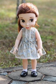Doll clothes for Disney animator dolls 16.    Dress has 2 snaps at the back.    All seams are finished with a zigzag to prevent fraying.    Doll and
