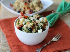 Mediterranean Quinoa Salad: An Ancient Seed with a Modern Taste by Food Fanatic on Epicurious Community Table Greek Quinoa Salad, Mediterranean Quinoa Salad, Quinoa Salad Recipes, Mediterranean Recipes, Vegetarian Recipes, Healthy Recipes, Quinoa Recipe, Quinoa Meals, Yummy Recipes