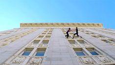Danse à la verticale sur un mur d'immeuble [video] - http://www.2tout2rien.fr/danse-a-la-verticale-sur-un-mur-dimmeuble-video/