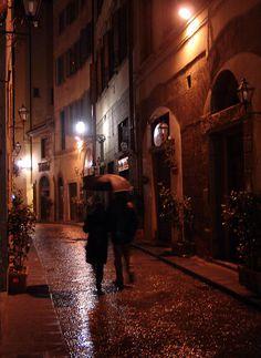 a couple, an umbrella, a lane.. - Florence