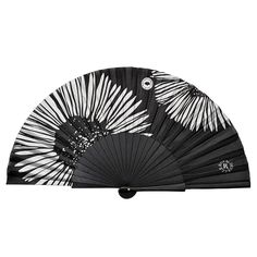 A cool Xmas gift! Duvelleroy hand-fan, design by Dominique Picquier, 45€ on www.duvelleroy.fr