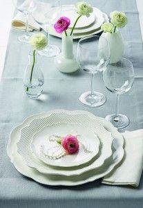 Maxwell & Williams. White Rose Durable. Zestaw obiad - kawa - biały, 30-częściowy