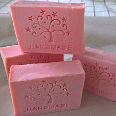 Hedelmätarha ❤ freshly cut and stamped soap  #soap#saippua#handmade #käsintehty #kylpyhuone #tvål #saput #madeinfinland #käsityöt #käsityöläinen #sisustus #coldprocesssoap #naturally #narural #