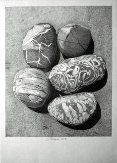 """Five Pebbles"" von Dietrich Moravec, Stilleben, Natur: Gestein, Original-Grafik Shell Drawing, Etching Prints, Still Life Drawing, Realism Art, Photorealism, Environmental Art, Land Art, Pebble Art, Rock Art"
