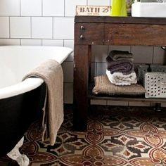 Cement tiles / Home / Vintage floor/ Chiner son carreau ciment en brocante