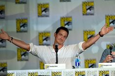 "Sasha Roiz Photos - ""Grimm"" Season 4 Panel - Comic-Con International 2014 - Zimbio"