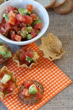 "Salsa is an easy ""go to"" for quick snacks and dishes. Epicure Recipes, Snack Recipes, Cooking Recipes, Healthy Recipes, Bruschetta, Vegetarian, Quick Snacks, Meatless Monday, Mondays"