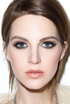 Perfect eye makeup, lashes, and contouring of the face for very fair skin tones. This is a great bridal look. Love Makeup, Makeup Inspo, Makeup Inspiration, Makeup Tips, Makeup Looks, Gorgeous Makeup, Pretty Makeup, Simple Makeup, Beautiful Lips