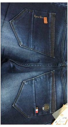 Armani Jeans Men, Ripped Jeans Men, Jeans Brands, Jeans Style, Denim Outfits, Flare Leg Jeans, Mens Jeans Outfit, Men's Pants, Bermudas