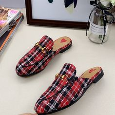 Guccl New Female Models Male Models 18059955283 Gucci Handbags, Gucci Bags, Gucci Shoes, Men's Shoes, Leather Slippers, Leather Sandals, Loafer Mules, Loafers, Rachel Zoe