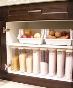 31 Days to Get Organized by Peter Walsh - don't store your onions by your potatoes though