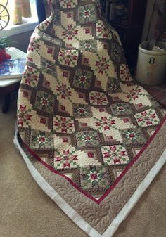 This kind of log cabin quilts is seriously a stunning style theme. Amish Quilts, Star Quilts, Scrappy Quilts, Patch Quilt, Quilt Blocks, Log Cabin Quilts, Custom Quilts, Quilt Cover, Quilting Designs