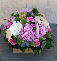 Caja con flores #cajaconflores #flores #moonflowerartefloral