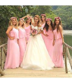 """216 Beğenme, 5 Yorum - Instagram'da CİGDEM METİN WEDDING DRESS (@cigdemmetingelinlik): """"Dilek ☺💕💕💕 #cigdemmetingelinlik #cigdemmetin #bridesmaids"""""""