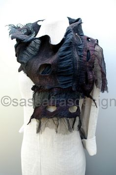Wet felted, sculptural art scarf by Claudia Burkhardt/Sassafrasdesign