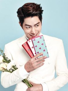 Actor and model #HongJongHyun, turned into aman in love intheValentine's Day pictorial for the jewelry branch of Jill Stuart.