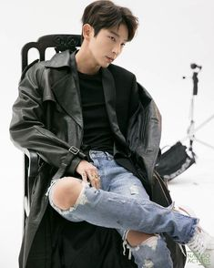 Joon-gi's agency Namooactors just posted a bunch of pics and a few gifs from the behind-the-scenes video for his renewed website photoshoot. Go and immerse yourself in Joon-gi's beauty (and. Lee Jong Ki, Lee Dong Wook, Ji Chang Wook, Song Joong, Joong Ki, Asian Actors, Korean Actors, Korean Dramas, Lee Joon Gi Wallpaper