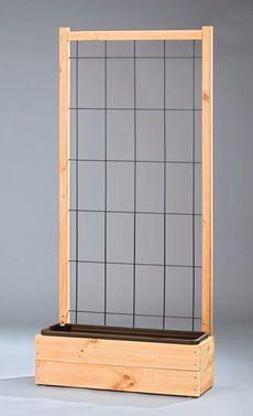 DIY Trellis for Raised Garden Bed / Sichtschutz mit Pflanzengitte // selbst.de ähnliche Projekte und Ideen wie im Bild vorgestellt findest du auch in unserem Magazin