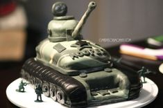 Camo Army Tank Cake - Marvelous Mommy — I would never be able to make this, ever, but I'm marveling at her skill. Army Tank Cake, Army Cake, Military Cake, Military Party, Army Birthday Parties, Army's Birthday, Star Wars Birthday, Birthday Cakes, Birthday Ideas
