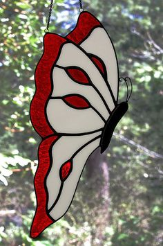 Stained Glass Butterfly. I could totally make this!