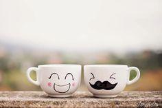 """El regalo romántico perfecto. Tazones de desayuno """"Tú y yo"""" http://artesanio.com/shop/section/4757?shop_slug=adictaaloscomplementos&section_slug=tazas-ilustradas. Tazones pintados a mano. Personalizable"""