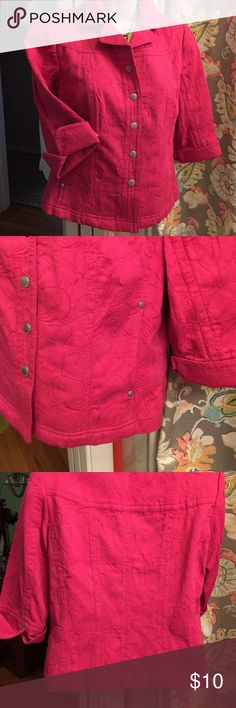 💯 % Cotton crop Blazer Cute great like new condition ALL cotton, snap buttons, inside pockets, 3/4 sleeves, flip cuff. Wear closed or open over another top year round. Great bright pink color..nice style fit in back Coldwater Creek Jackets & Coats Blazers
