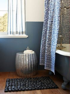 Mixing prints and textures make for a stunning bathroom: http://www.bhg.com/bathroom/small/small-bathroom-decorating-ideas/?socsrc=bhgpin02092014mixprintandtexture&page=3