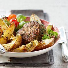 Vurig gehaktballetje met kruidige aardappelpartjes