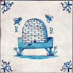 Mirabellicious ♥: The Tile Files: Delftware. Beesskep Umbra Tile, one of 120 Faux Delft Tiles designed by English artist Paul Bommer, in Delft Tiles, Blue Tiles, Vintage Italian, Vintage Art, Bee Skep, Bee Hives, Bee Art, Küchen Design, Tile Design