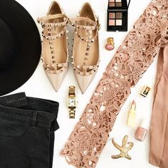 spring-outfit-details-pastels-valentino-rockstud-flats-michaelkors-watch-sheinside-oasis-jeans