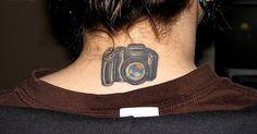 A paixão por algumas pessoas pela fotografia ultrapassa os limites de sua própria arte e atinge outros ramos, neste caso a tatuagem.  E você...