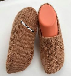 Keep your eyes closed The booties model sweet sweetfood sweetens Baby Knitting Patterns, Knitting Designs, Knitting Projects, Crochet Baby, Knit Crochet, Crochet Bolero Pattern, Cool Mens Haircuts, Sport Weight Yarn, Knitted Slippers
