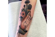 Word Tattoos, New Tattoos, Body Art Tattoos, Sleeve Tattoos, Traditional Tattoo Words, Brush Tattoo, Tattoo Portfolio, Tattoo Feminina, Makeup Tattoos