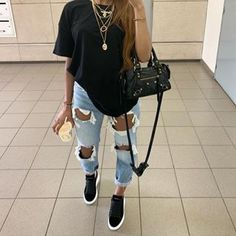 😍😍😍 Tips de Moda  Chill Outfits, Cute Casual Outfits, Edgy Outfits, Swag Outfits, Simple Outfits, Fashion Outfits, Summer Bar Outfits, Cute Everyday Outfits, Urban Style Outfits