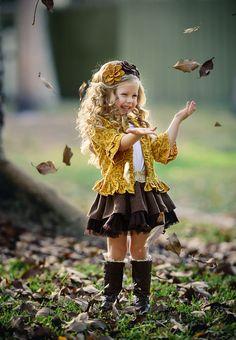 Baby girls pants kids children bow legging 2018 spring autumn new kids girls boy… Little Girl Photos, Little Girl Outfits, Little Girl Fashion, Cute Little Girls, Cute Baby Girl, Girl Pictures, Cute Kids, Kids Outfits, Little Girl Photography