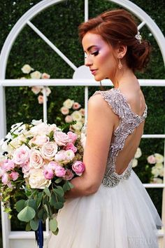 WedLuxe– The Secret Garden | Photography by: Alicia Thurston Photography Follow @WedLuxe for more wedding inspiration!