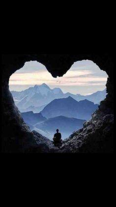 Con toda diligencia guarda tu corazón, porque de él brotan los manantiales de la vida.   Proverbios 4:23